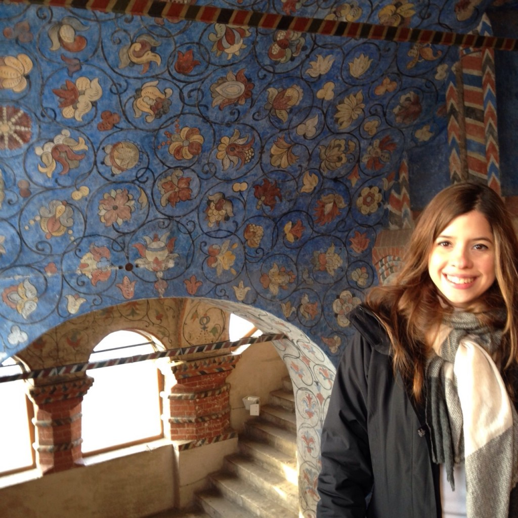 Fernanda dentro de la Catedral de San Basilio