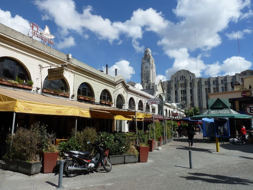 Montevideo, ciudad hecha verso