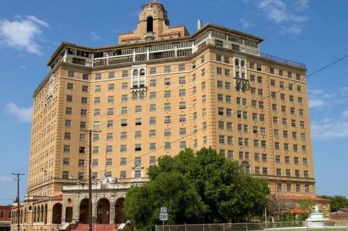 Hotel Baker, Estados Unidos