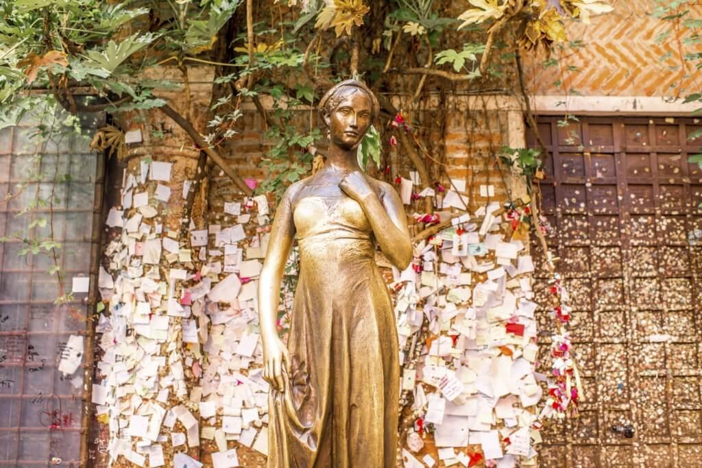 Estatua de Julieta, Verona, Italia