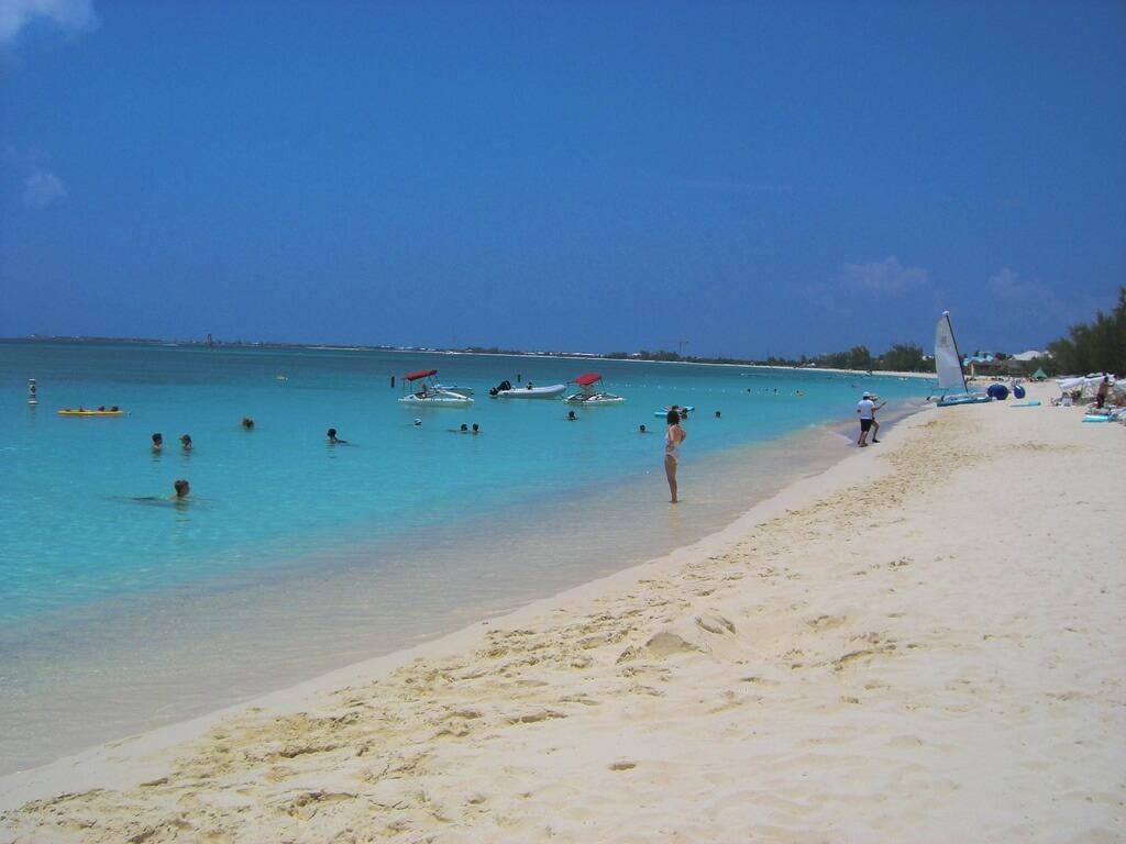 Seven Mile Beach, Islas Caiman
