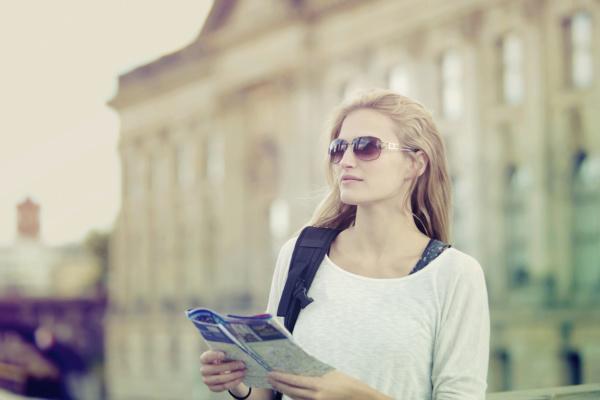 Mujer turista en Berlín