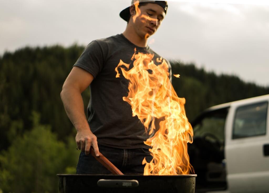 """El chef también es conocido como """"el mago""""... ¡convierte los tallarines con salsa en un plato gorumet!"""