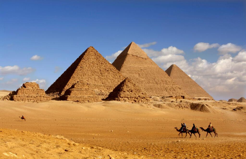 A camello por Giza - Sueños viajeros