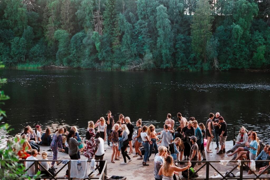 Fiesta en el lago - Sueños viajeros