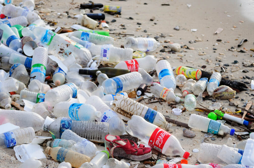 Botellas plásticas - Sueños viajeros