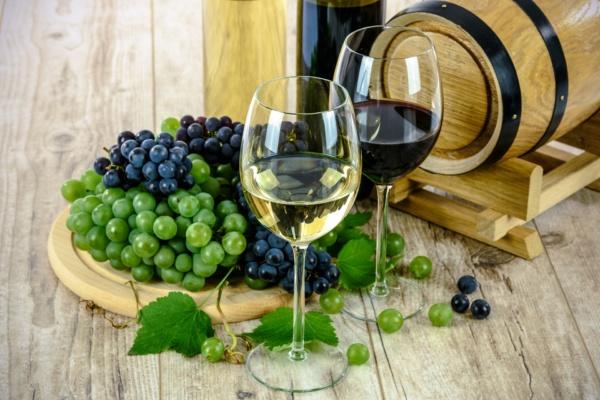 ¿Te quedas con el vino tinto o blanco? - Sueños Viajeros