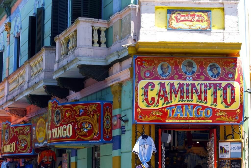¡Podrías aprovechar de pasear por Caminito! - Sueños Viajeros