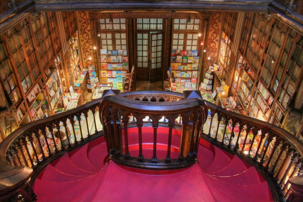 Livraria Lello e Irmao (Oporto, Portugal) - Sueños Viajeros