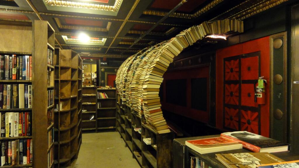 The Last Bookstore (Los Ángeles, Estados Unidos) - Sueños Viajeros