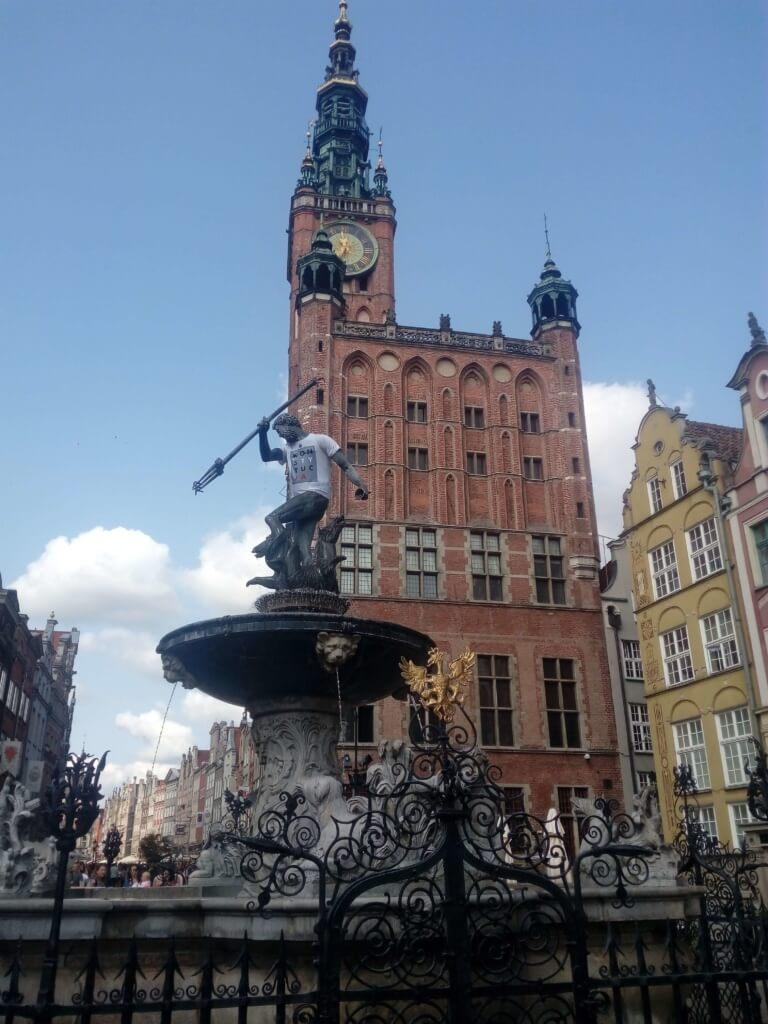 Fuente de Neptuno en Gdansk - Sueños Viajeros
