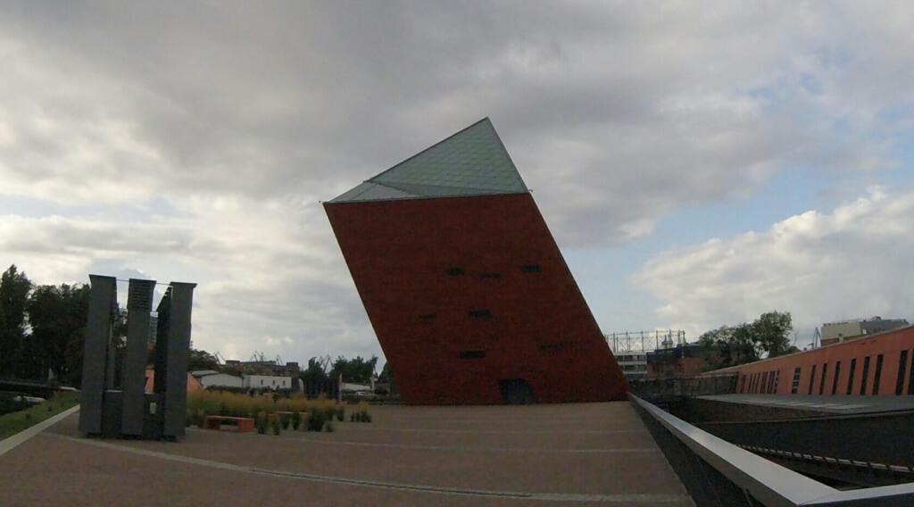 Museo de la Segunda Guerra Mundial de Gdansk- Sueños Viajeros