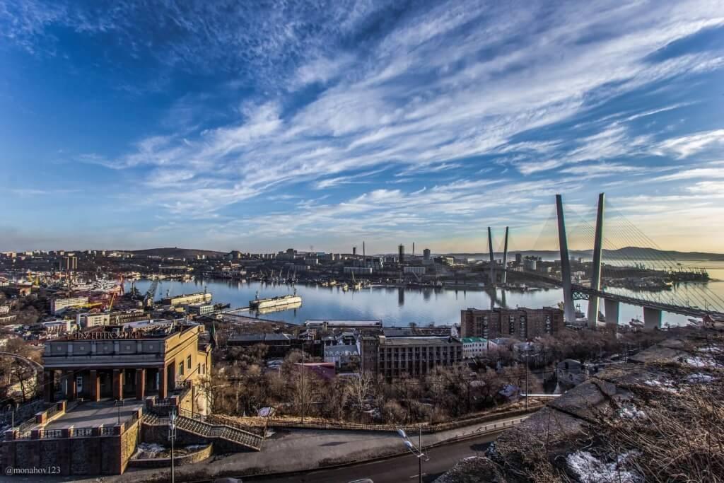 El puente Zolotoy de Vladivostok, Rusia - Sueños Viajeros