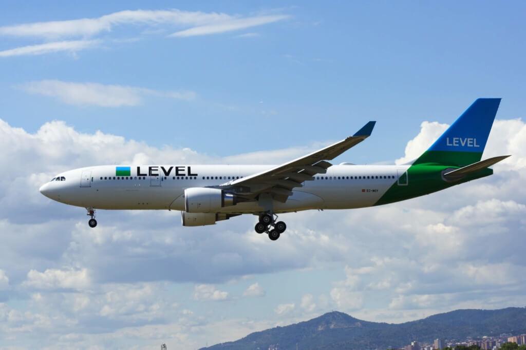 Aerolínea low cost Level - Sueños Viajeros