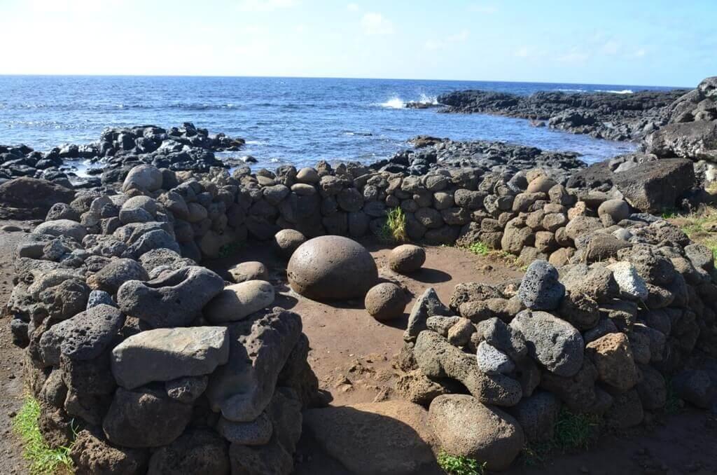 Ahu Te Pito Kura, Isla de Pascua - Sueños Viajeros