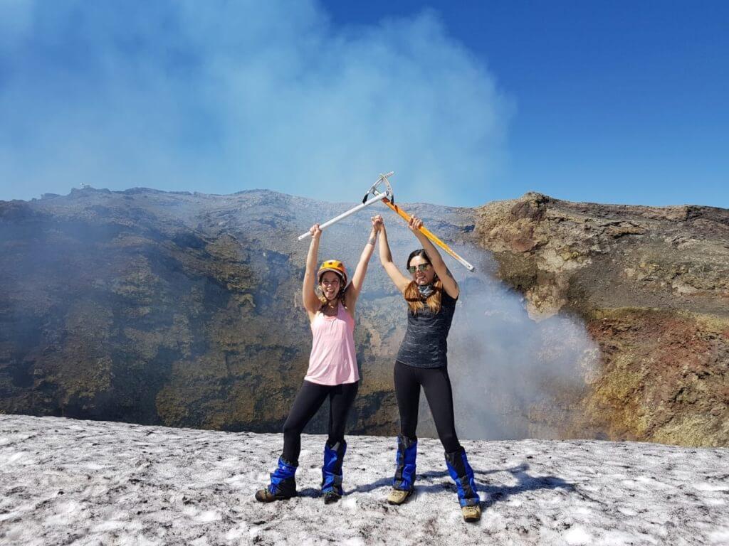 Carolina Lamatta en el Volcán VIllarrica - Sueños Viajeros