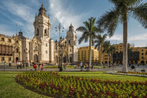 Plaza Mayor de Lima - Sueños Viajeros Faro Travel